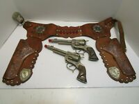 RARE VINTAGE WILD BILL HICKOK DUAL CAP GUN SET W'/AWESOME LEATHER HOLSTER *WOW*