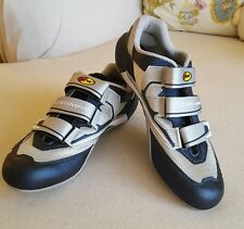 NEW NORTHWAVE CYCLING SHOES RV $143 SIZE EUR42  9.5 MEN.   10.5 WOMEN