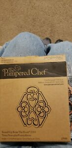 New Pampered Chef Round-up From The Heart 2011 Cast Metal Trivet Copper Top