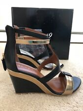 BOUTIQUE 9 PETRUCHIO Black & Gold Leather Wedge Sandals Back Zipper Size 6.5M