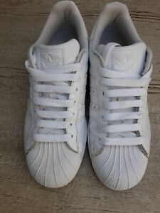 Mens White Adidas Superstar Trainers Size 9 UK
