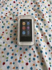 Apple Ipod Nano 7th generación (mediados de 2015) Gris Espacio (16GB) * Nuevo *