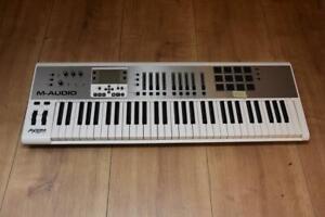 M-Audio Axiom Air 61 DAW MIDI Controller AUdio Masterkeyboard (2602)