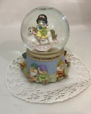 Precious Moments Snow White and the 7 Seven Dwarfs Disney Showcase Snow Globe