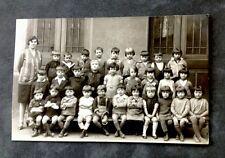 CP Photographique. LYON. 69 - Photo de Classe. Garçons et Filles. DEMIERRE.