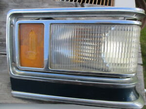 1975 Cadillac Fleetwood right  Park Light Corner Lamp Turn Signal Calais 1976