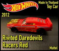 Hot Wheels Rivited Daredevils Racers Red - Mattel 2012 - Toy Car