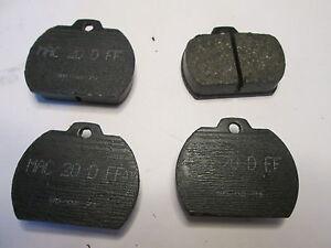 63-D88 73-76 VOLKSWAGEN  BEETLE KARMANN GHIA BRAKE PADS D88