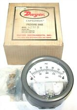 Dwyer Capsuhelic Differential Pressure Gage 0 To 30 PSI 4230S NIB
