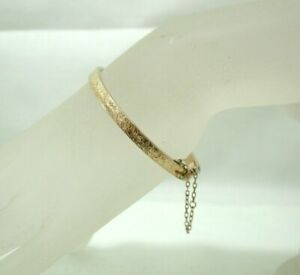 Edwardian Lovely 9 carat Rose Gold Engraved Hinged Bangle (Small Wrist)