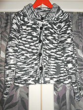 DKNY CARDIGAN BLACK AND WHITE AGE 6 EXCELLENT CONDITION