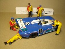 FIGURINES 1/43  SET 441  L' EQUIPE MATRA  VROOM  NON PEINT  FOR  SPARK  BIZARRE