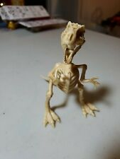 1/10 Scale Poseable Cat Skeleton Action Figure - Plastic Halloween Prop dinosaur