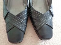 "GABOR Black Leather Slip on Shoes 2"" Heels Square Toe Size 4 - Excellent"