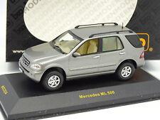 Ixo 1/43 - Mercedes ML 500 Gris