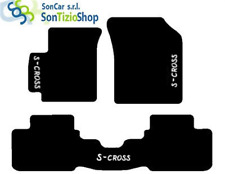 TAPIS SUZUKI SX4, broderie : S-CROSS blanc + 4 Bloc Compatible avec Original