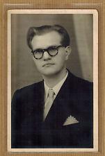 Carte Photo vintage card RPPC homme costume coiffure lunettes kh0383