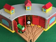 LARGE ENGINE SHED & SWITCH for Thomas & Friends Wooden Railway & BRIO Train Set