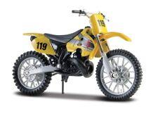 Motorrad Modell 1:18 SUZUKI RM 250 gelb von Maisto