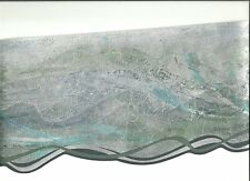 GEOMETRIC WAVE WALLPAPER BORDER WITH SILVERS GRAYS AND TURQUOISE  62753DC