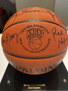 1973 New York Knicks Team-Signed Official NBA Basketball Autograph With Case