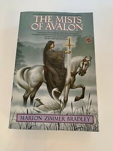 The Mists of Avalon by Marion Zimmer Bradley (Paperback, 2001)