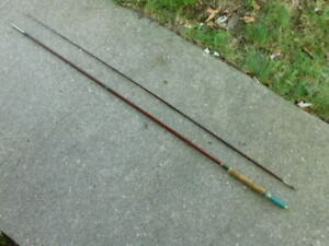EXCELLENT CONDITION VINTAGE MONTAGUE 8 1/2' HOLLOW GLASS FLY ROD