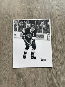 "Vintage 1990 Wayne Gretzky Original Press Photo B&W 8 x 10"" Los Angeles KINGS"