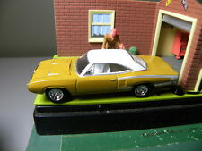 1970 DODGE SUPER BEE    2006 JOHNNY LIGHTNING HIGH IMPACT MUSCLE  1:64 DIECAST