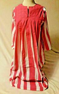 Models Coat Housecoat ROBE - pink white - zipper front - size Large - long