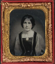 WOMAN WITH CAMEO PIN. TINTED, RUBY GLASS 9TH PLATE AMBROTYPE.