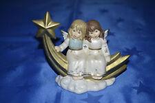 Goebel - Engel sitzend - mit Bethlehemstern - Weihnacht - Sternstunden L =15,5cm