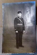 Photo ancienne sur carton portrait jeune homme gendarme policier  - an. 1920