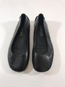 Womens Taryn Rose Black Patent Leather Ballet Flats Size 5 Basic Simple Design