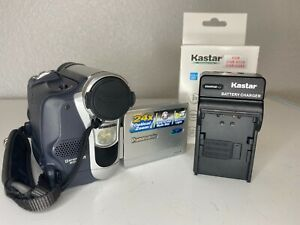 Panasonic PV-GS15 Mini DV Camcorder w/ Battery and Charger FOR REPAIR READ