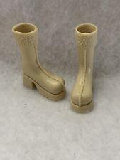 Girlz Girl Bratz Winter Time Wonderland Dana Doll Tan Long Bulky Boots