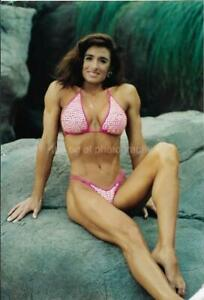MUSCLE GIRL 80's 90's FOUND PHOTO Bikini Pose CARLA GORE Original EN 17 13 V