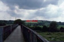 PHOTO  1987 FOOTBRIDGE OVER HINKSEY SIDINGS IN THE DISTANCE SUNLIGHT ON THE EAST