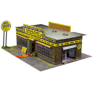 "BK 4301 1:43 Scale ""Motorcycle Shop"" Photo Real Scale Building Kit"