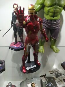 HOT TOYS IRON MAN MARK VII AVENGERS