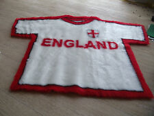 ENGLAND FOOTBALL RUGS FAUX FUR PILE WORLD CUP WASHABLE NON SLIP BACKING REDWHITE