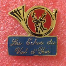 Pins CHASSEUR CHASSE À COUR COR CERF Les Échos Du Val D'yon