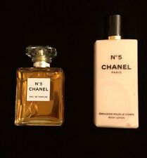 Chanel No 5 Gift Set 1.7 Oz/50ml Eau de Parfum Spray & 6.8 Oz/200ml Body Lotion