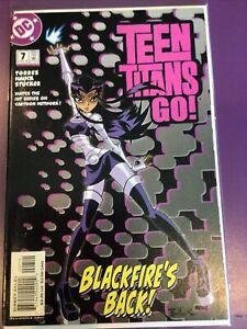 DC TEEN TITANS GO! #7 BLACKFIRE'S BACK! CARTOON NETWORK / STICKERS INTACT