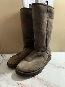 womens classic tall ugg boots Brown size W8 Sheepskin