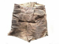 hippe alte grintig - speckige kurze Lederhosen