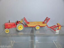 DINKY TOYS MODEL No.398 MASSEY HARRIS  FARM EQUIPMENT PART  GIFT SET