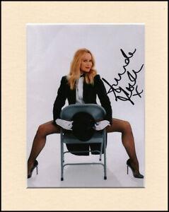 Amanda Holden Pantyhose Stockings Original Signed Mounted 10x8 Autograph Photo