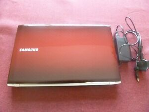 Samsung R 730 17.3 ins laptop in scarlet red, in good condition with new battery
