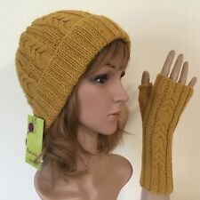 HAND KNITTED LADIES GOLDENROD CABLED PANEL WOOL/ALPACA FINGERLESS GLOVES HAT SET